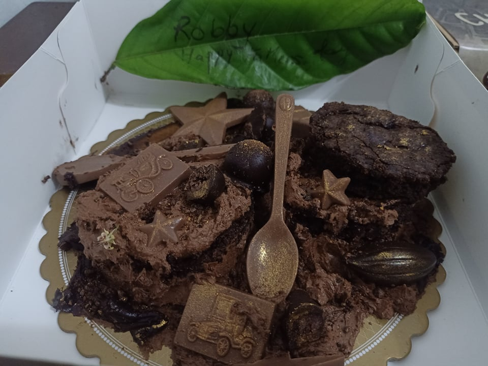 C:\Users\GCPI-ROBBY\Desktop\chocolate queen\PHOTOS\FEATURED ARTICLES\8C - FATHERS DAY CAKE\D.jpg