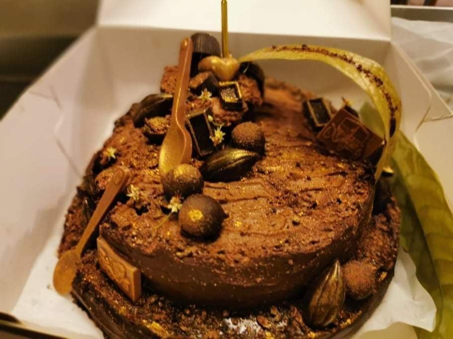 C:\Users\GCPI-ROBBY\Desktop\chocolate queen\PHOTOS\FEATURED ARTICLES\8C - FATHERS DAY CAKE\10.jpg