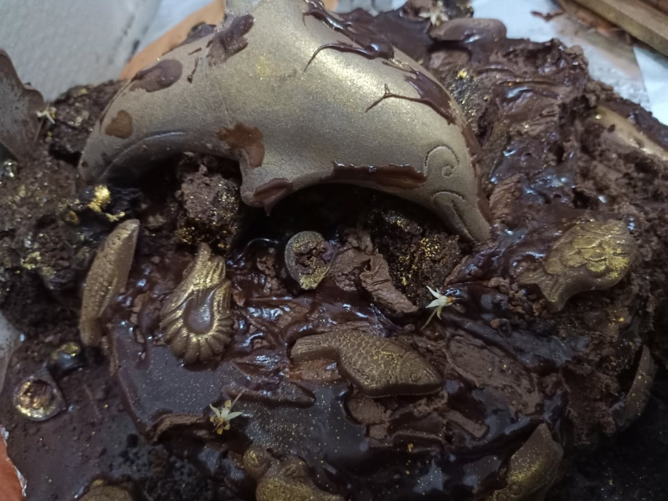 C:\Users\GCPI-ROBBY\Desktop\chocolate queen\PHOTOS\FEATURED ARTICLES\8E - UNDER THE SEA INSPIRED CAKE\3.jpg