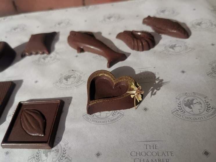 D:\2020 DESKTOP FILES\chocolate queen\PHOTOS\FEATURED ARTICLES\12 - JONATHAN\7.jpg