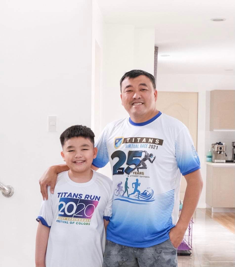D:\ROBBY PERSONAL FILES 2013\RMA FILES\PAREF SPRINGDALE\PRESS RELEASES\PR 3\TITANS WINNERS PHOTOS\Father and Son Swim 3km - Christopher Franco Ang (Student) and Christopher Ang (parent).JPG